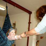 Pädiatrie Kind in einer Hängematte
